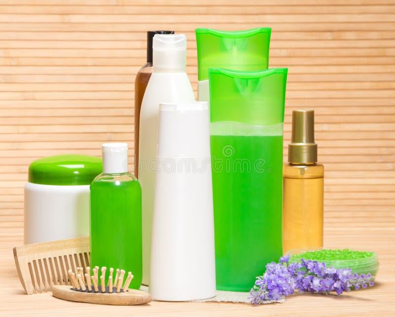 Skönhetsmedel och tillbehör för håromsorg arkivbilder