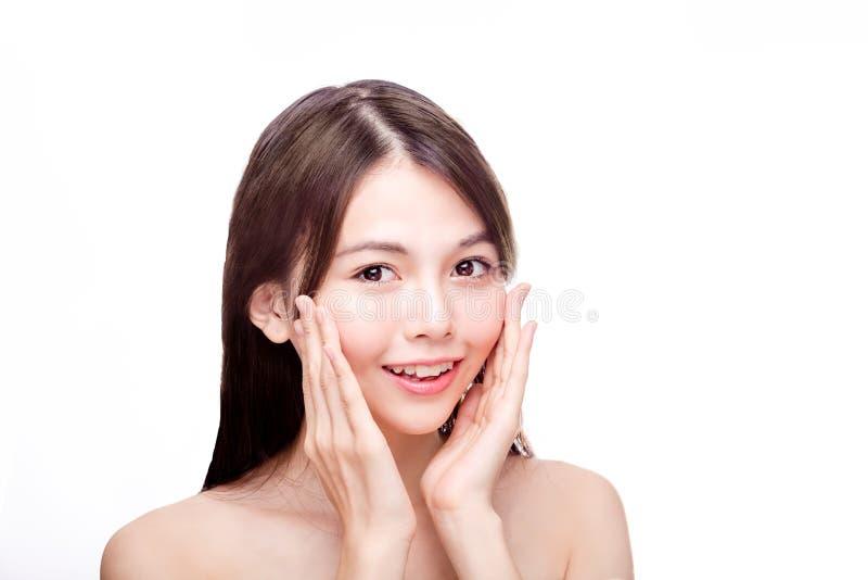 Skönhetstående av den asiatiska kvinnlign royaltyfria bilder