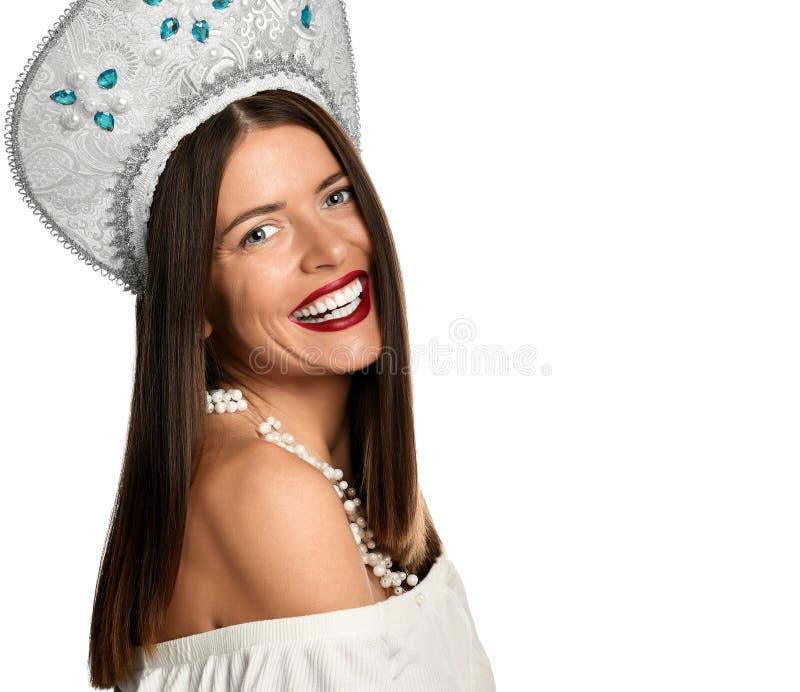 Skönhetstående av den kvinnliga framsidan med naturlig hud royaltyfria bilder