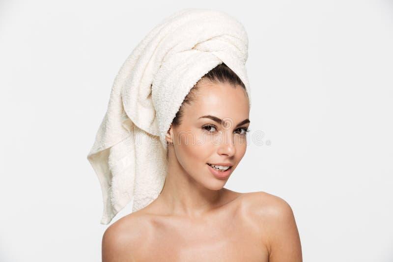 Skönhetstående av en förförisk attraktiv halv naken kvinna arkivfoto