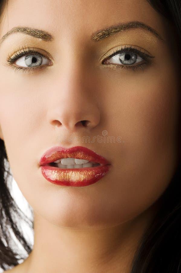 skönhetståendekvinna arkivbild