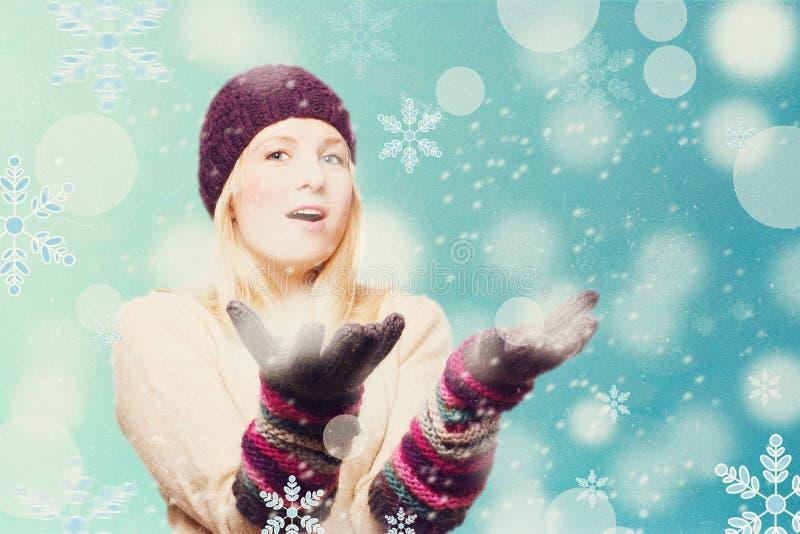 Skönhetung flicka med snowboarden arkivfoto