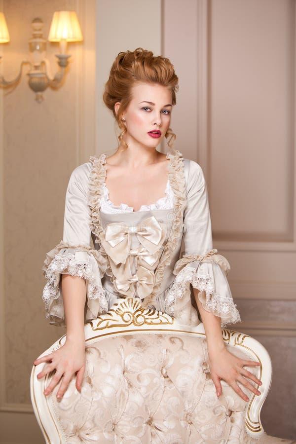 Sköt inomhus i den Marie Antoinette stilen fotografering för bildbyråer