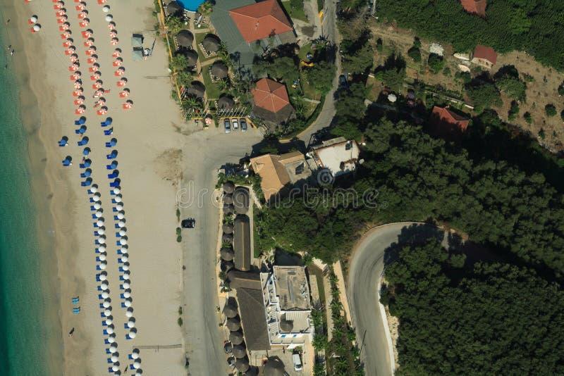 sköt valtos för strand helikopter royaltyfri bild