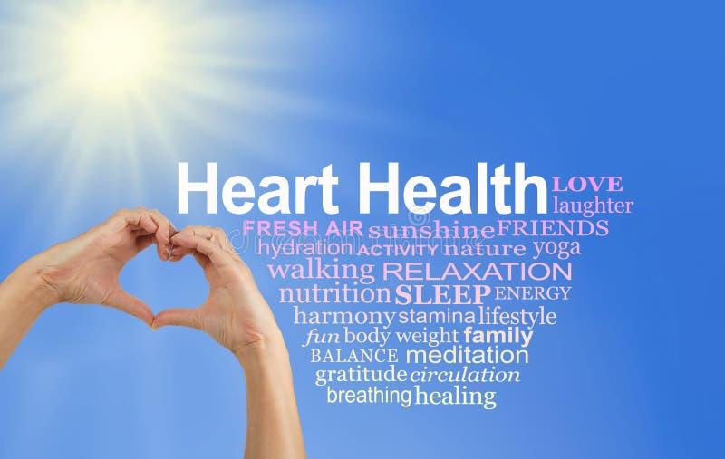 Sköta och älska ditt hjärtaordmoln royaltyfri foto