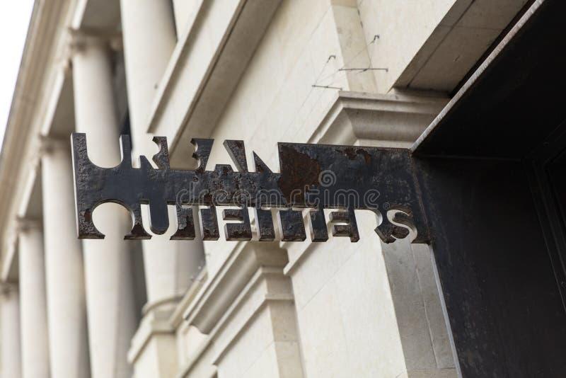 Skąpanie, Somerset, UK, 22nd 2019 Luty, sklepu znak dla Urban Outfitters obrazy royalty free