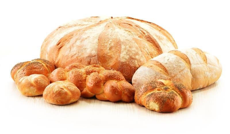Skład z chlebem i rolkami na bielu zdjęcia royalty free