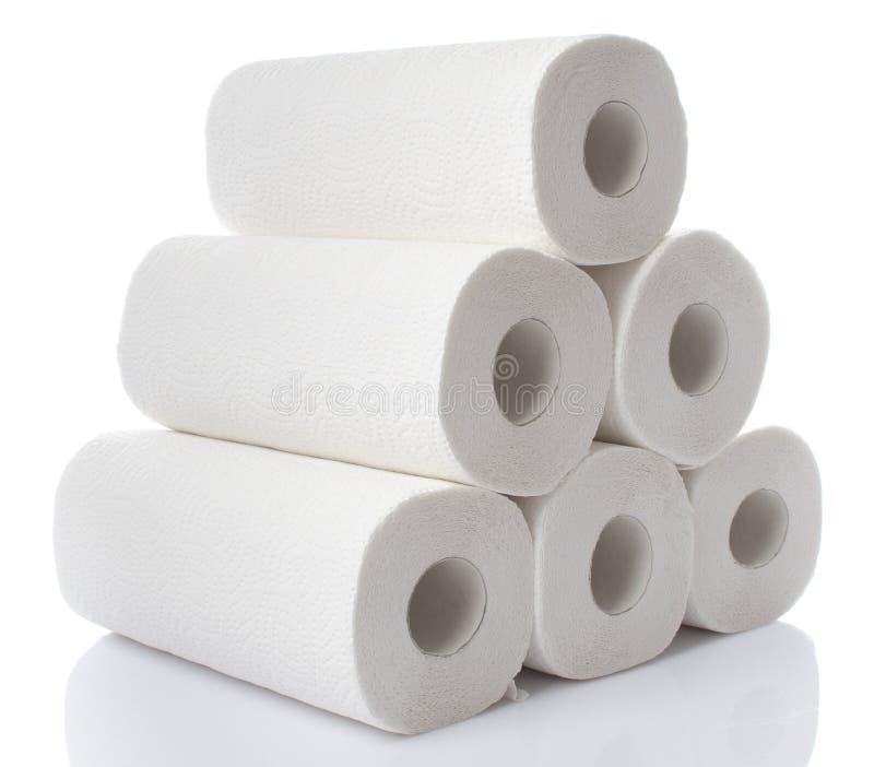 Skład z papierowego ręcznika rolkami zdjęcia stock