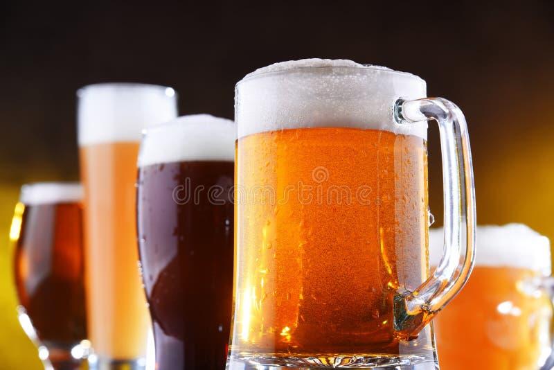 Skład z pięć szkłami piwo zdjęcie stock