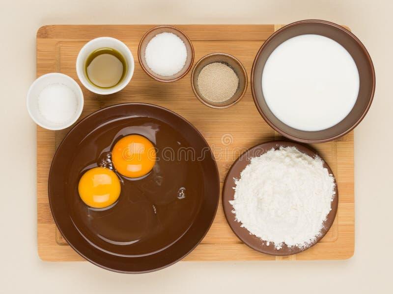 Składniki dla kulinarnego ciasta obraz royalty free