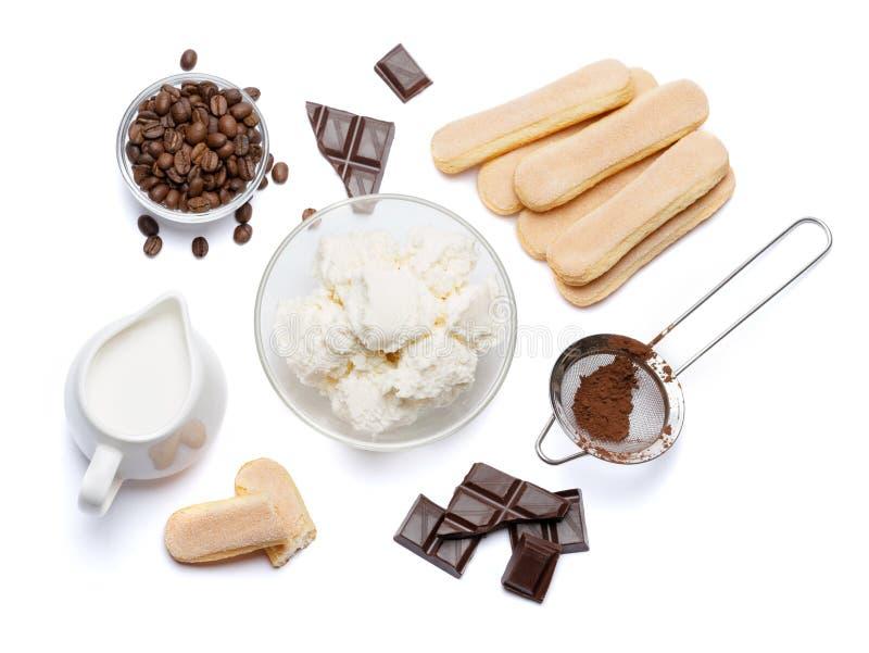 Składniki dla kulinarnego tiramisu Savoiardi biskwitowi ciastka, mascarpone, śmietanka, cukier, kakao, kawa i jajko -, obraz royalty free