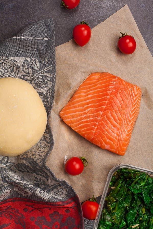 Składniki dla rybiego kulebiaka zdjęcia royalty free