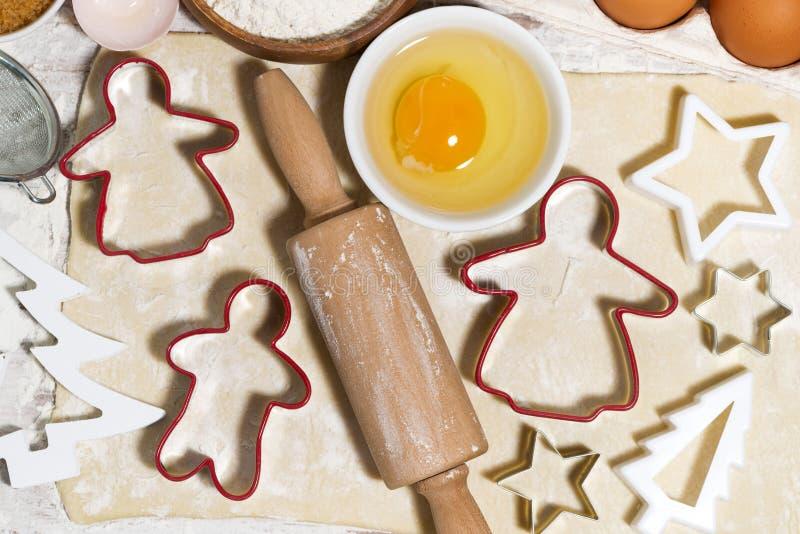 Składniki dla wypiekowych Bożenarodzeniowych ciastek Ciasto, różnorodny ciastko obrazy stock