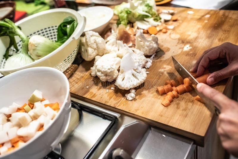 Składniki do przygotowania bogatego posiłku manipulowane obraz royalty free