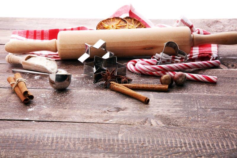 Składniki pikantność, dokrętki, ciastka i sha dla Bożenarodzeniowego pieczenia -, zdjęcia stock