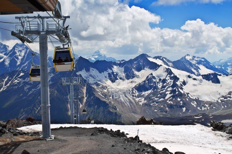 Skłon na narciarstwo kurorcie Elbrus zdjęcie royalty free