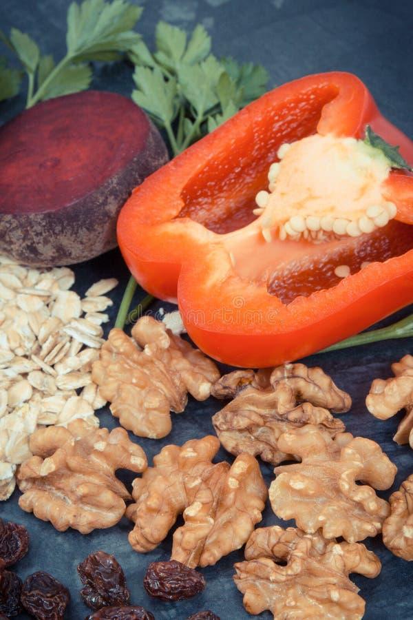 Sk?adniki zawiera witaminy, kopaliny, zdrowy jedzenie polecaj?cy dla nadci?nienia i cukrzyce, zdjęcie stock