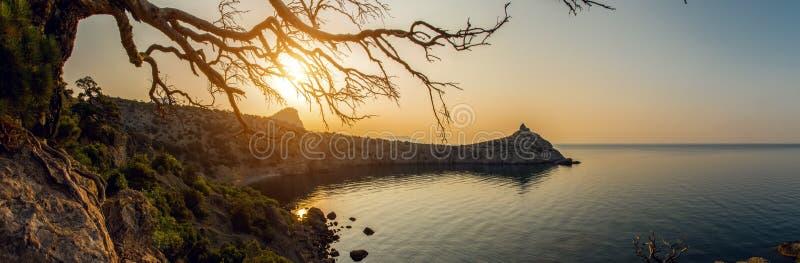 Sk?nhetnaturlandskap Krim arkivfoto