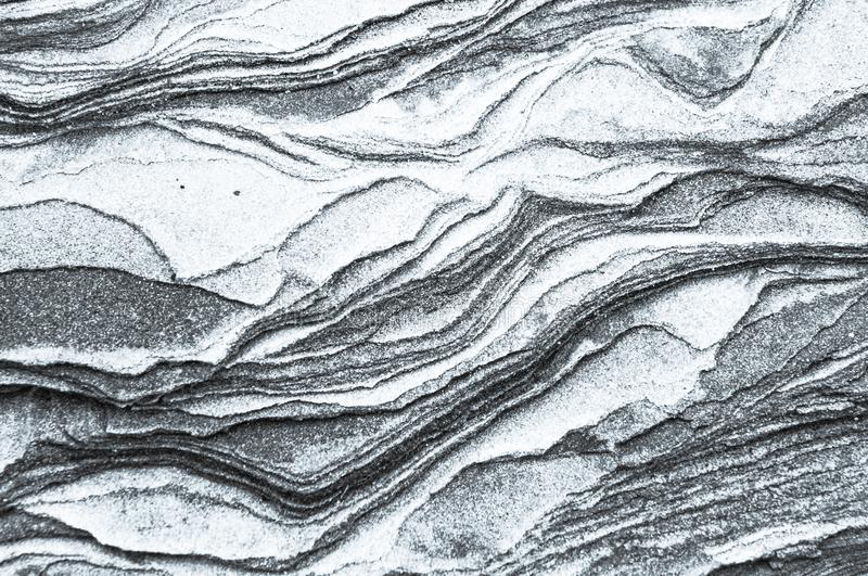 Skał warstwy - kolorowe formacje skały brogować nad setkami rok Ciekawy tło z fascynującą teksturą obrazy royalty free