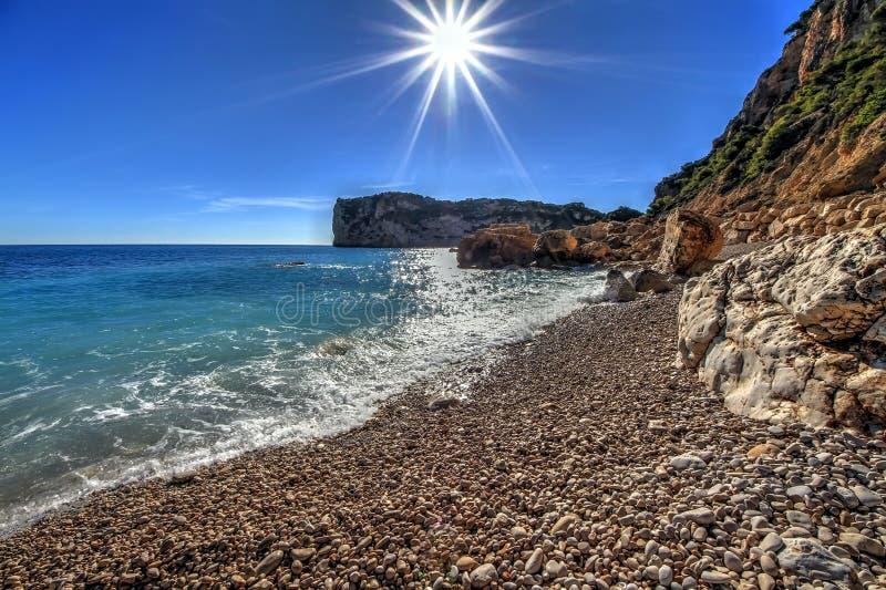 Skały i piasek w plaży losu angeles Nao przylądek w Hiszpania obrazy stock