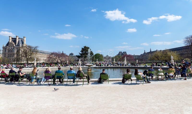Skacze w Jardin des Tuileries, Pary? -, Francja zdjęcie royalty free