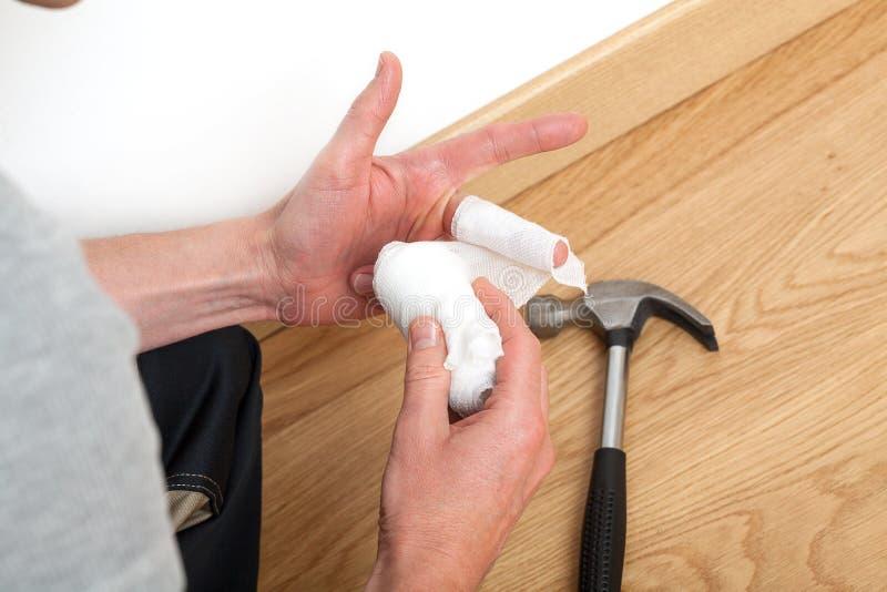 Skada under hushållsarbete arkivfoton