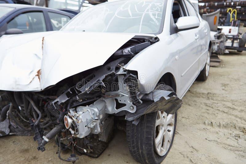 Skadad bil som är involverad i trafikolycka royaltyfria foton