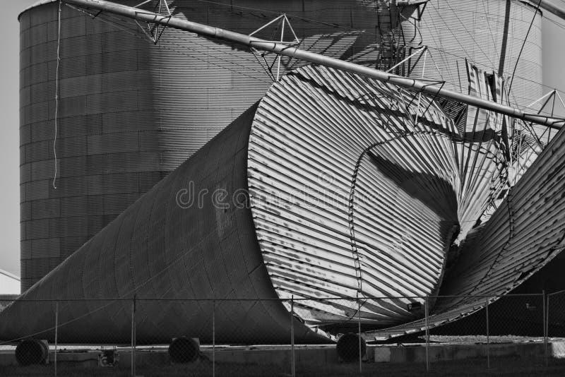 Skadad silo för storm arkivfoton
