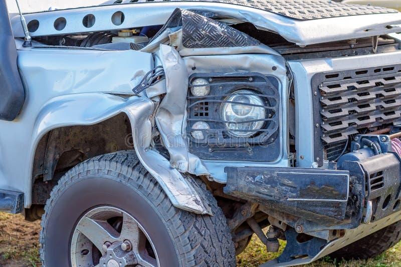 Skadade Front Of Crashed Car royaltyfri bild