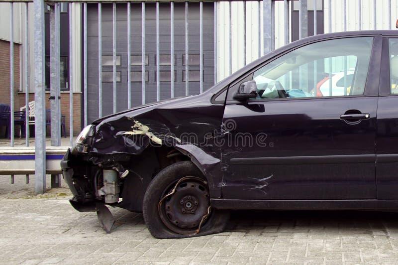 Skadade Volkswagen Polo arkivfoto