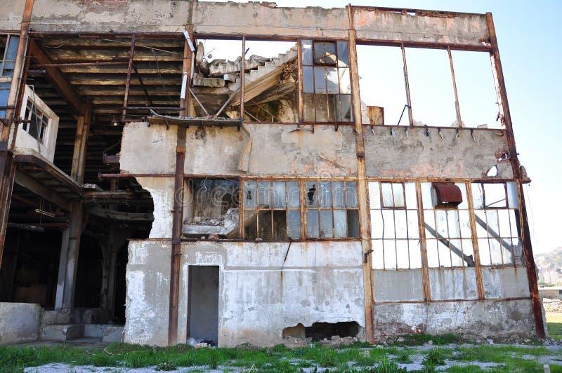 skadlig byggnad royaltyfri foto