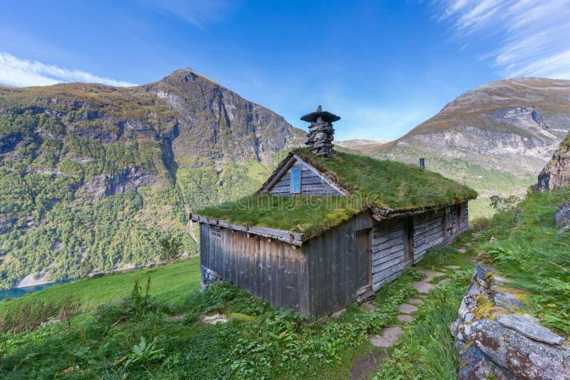Skagefla-Hütte über geiranger Fjord, Norwegen stockfotos