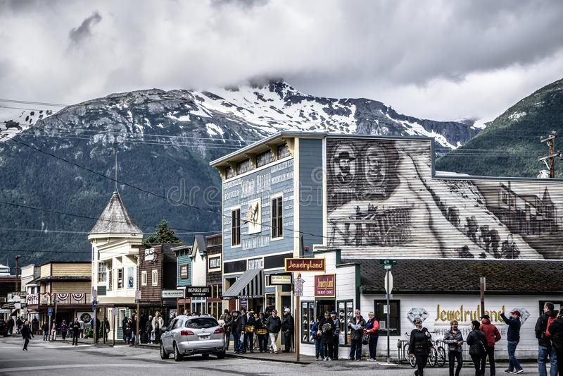 Skagway Αλάσκα τον Ιούνιο, αμερικανική βόρεια πόλη κοντά στον Καναδά στοκ εικόνες