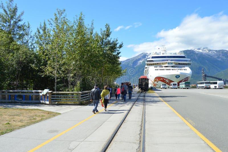 Skagway Alaska: Cruisedokken aan Broadway-Straat royalty-vrije stock afbeelding