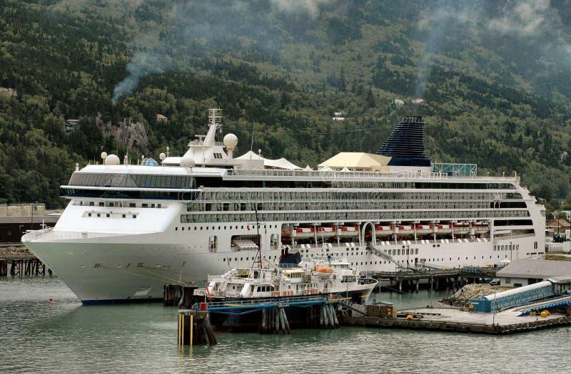 skagway ship för alaska kryssninghamn royaltyfri fotografi