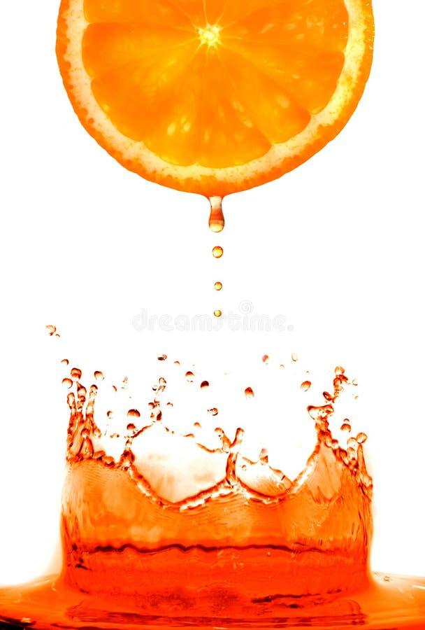 skakająca świeże pomarańcze zdjęcie stock