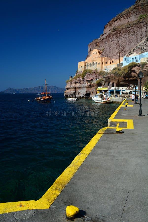Skala, le vieux port dans le port de Santorini Santorini, îles de Cyclades La Grèce image libre de droits