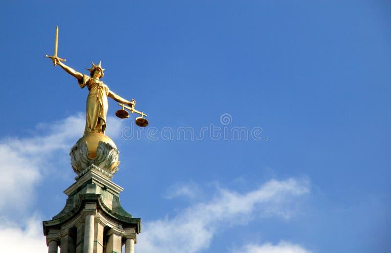 Skalen von Gerechtigkeit (Dame Of Justice) alter Bailey lizenzfreie stockbilder