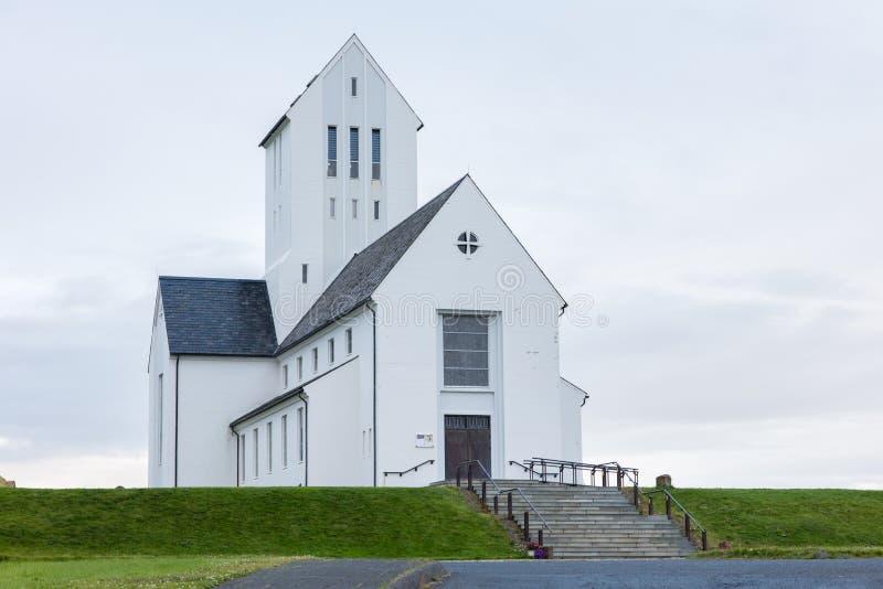 SKALHOLT ISLAND - JULI 24: Den moderna Skalholt domkyrkan avslutades i 1963, föreställas på Juli 24, 2016 och placeras på arkivfoto