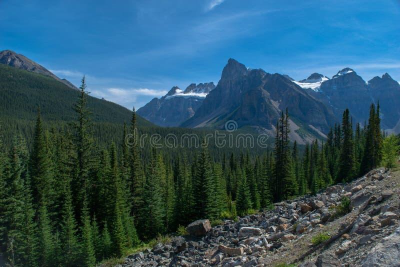 skaliste piękne góry fotografia royalty free