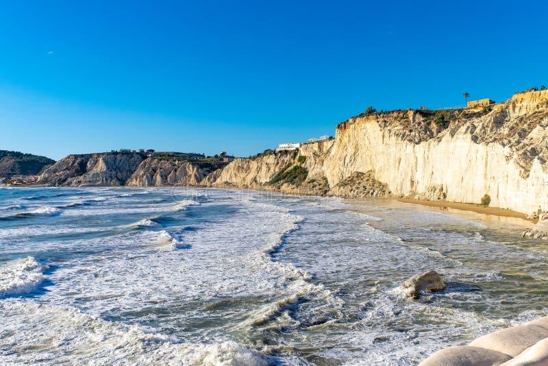 Skalisty biały faleza schodek turczynki, Sicily zdjęcie royalty free