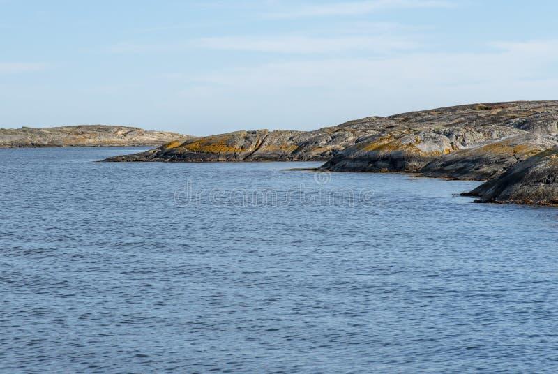 Skalisty krajobraz morzem obrazy royalty free