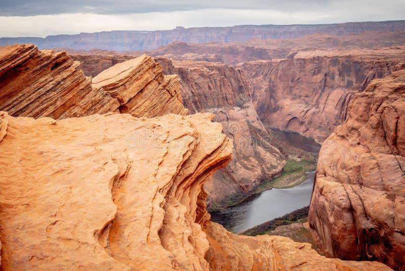 Skalisty krajobraz przy podkowa chyłem w Arizona obraz royalty free