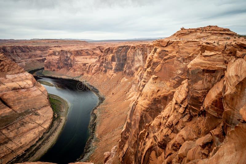 Skalisty krajobraz przy podkowa chyłem w Arizona zdjęcie stock