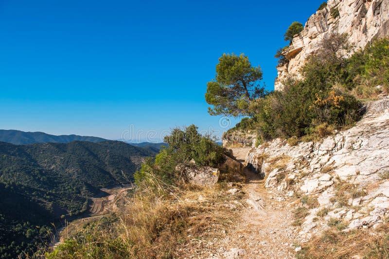 Skalisty krajobraz w Siurana De Prades, Tarragona, Catalunya, Hiszpania Odbitkowa przestrzeń dla teksta obraz royalty free
