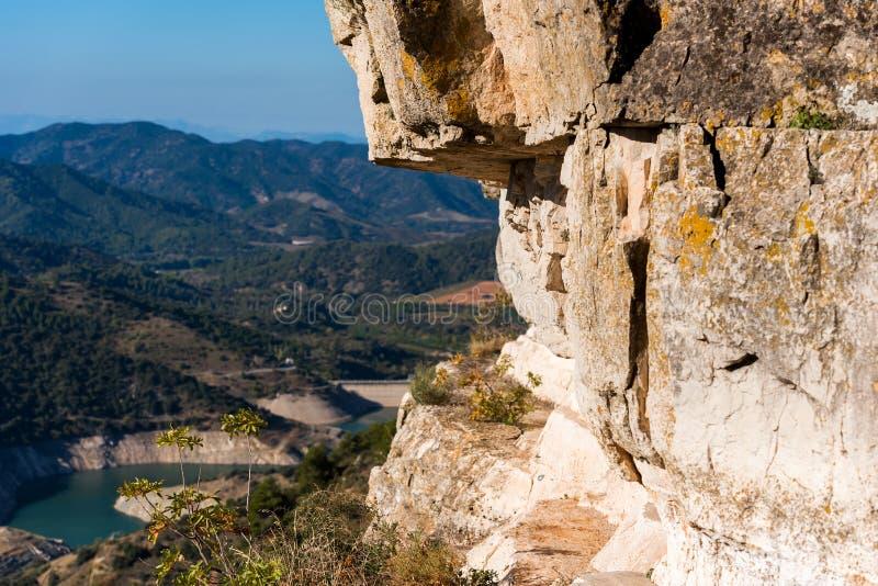 Skalisty krajobraz w Siurana De Prades, Tarragona, Hiszpania Odbitkowa przestrzeń dla teksta zdjęcia royalty free