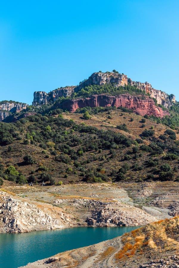 Skalisty krajobraz w Siurana De Prades, Tarragona, Hiszpania Odbitkowa przestrzeń dla teksta fotografia royalty free