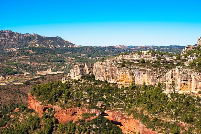 Skalisty krajobraz wokoło Siurana De Prades, Tarragona, Hiszpania Odbitkowa przestrzeń dla teksta zdjęcie stock