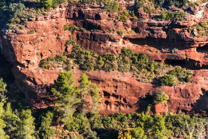 Skalisty krajobraz wokoło Siurana De Prades, Tarragona, Hiszpania Odgórny widok fotografia stock