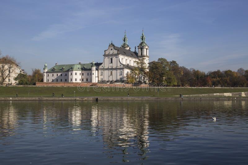 Skalka,圣Stanislaus教会在克拉科夫,从维斯瓦河的看法 库存照片